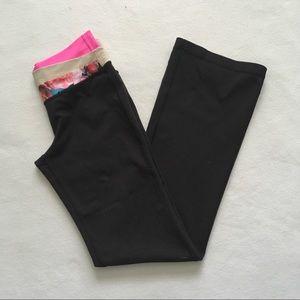 lululemon athletica Pants & Jumpsuits - Lululemon Astro Secret Garden Black Yoga Pant 6